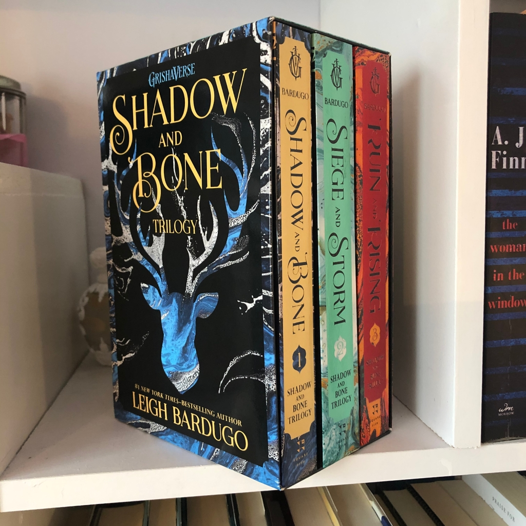 books, book, shadow and bone, siege and storm, ruin and rising, shadow and bone trilogy, leigh bardugo